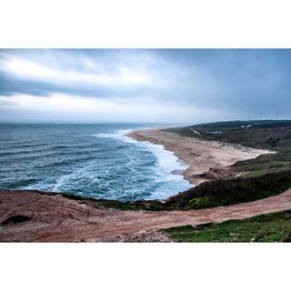 wave roadtrip portugalroadtrip portugal ocean nazarélighthouse nazaré landscape highbythebeach family europe