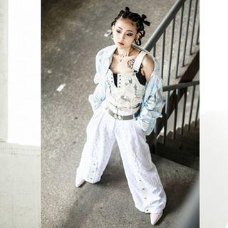 fashion asiandesigner photography tattoo taipei fashiondesign makeupart taiwan white stylist whitepants asianmodels photoshoot