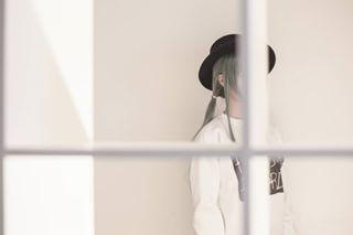 crow white ハチ donuthole girl photography cosplay ドーナツホール gumi hachi photoshoot cosplayphotography hatsunemiku railroad art photographer vocaloid