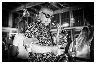 saxofoon beachclub photojobs scheveningen music barbarossa makingphotos people party b photography photographer player