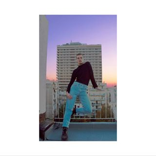 sky rooftop city jeans people fashion queen urban homme