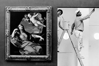 schirn bwstyles_gf picoftheday frankfurt kunsthalle artgallery master l4l germany fineartprints oilpainting mkmoment potd worker photo www streetphotography reni blackandwhite leica art epsondigigraphy bw_lover piece painter