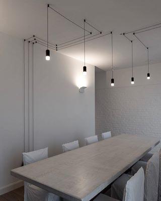archidaily archidetail archilovers beautifulplacetolive design designinspiration dinnerroom dinnertable industrialdesign interiordetails totalwhite totalwhitedinner