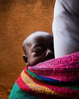 travel thomasschuppisser portrait poeple pictureoftheday photography malaria dokumentary culture burkina africa