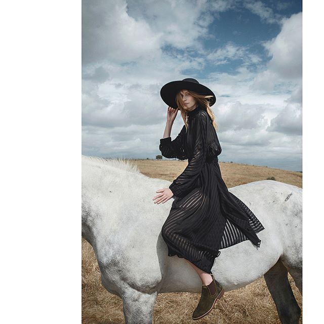 photooftheday will portugal blackandwhite hairstyle equestrianstyle aw1718 portugueseshoes production photography photoassistant fashion assistant model aw horses beautiful nature muah styling fashioncampaing video fresh alentejo