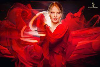 magazine ig portrait mirror longexposure redhair canon retouch fire portraitamazing editorial fashion reflection ny portraitphotography phoenix beauty woman