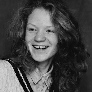 freckles model redhead editorial fashion natural portrait stylist vsco modeltests