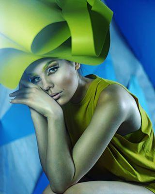 blueyellow weirdhat sadgirl complementarycolors contrast avantgarde visual_creatorz