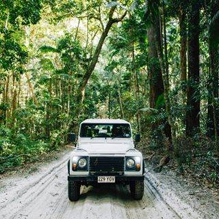 fraserisland landroverdefender photosinbetween photorep photographylife production seeaustralia photographeranddirector behindthescenes photographer canonr director