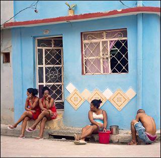 filmisnotdead santiagodecuba mananacuba 120mm rolleiflex streetphotographers cuba cubano 6x6 mediumformat street streetphotographersmagazine theoshoots