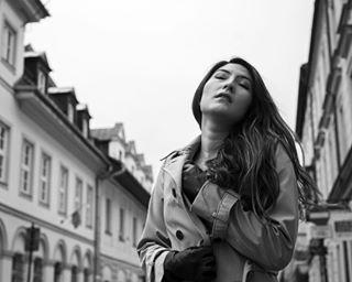 warsawphotographer moda citylife portrait oldtown sesja blackandwhitephoto actress fashion