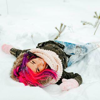bookasession ef estoni estonianphotographer fotograaftallinnas funinsnow gowithaflow happy justdoit lovingmyjob model myclientsarethebest photographer pinkhair portreefotograaf snow snowangel snowtime tulepildistama wintertime
