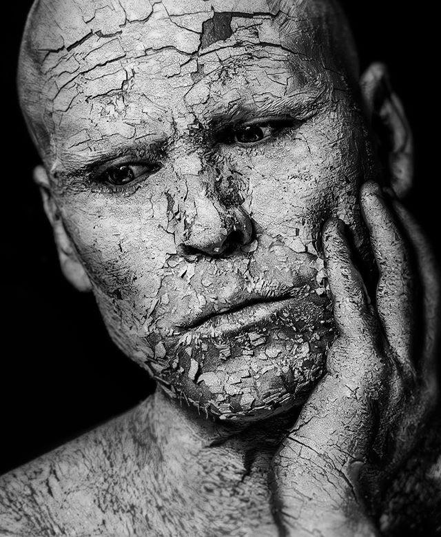 darksouls greyscale blackandwhite mood canonespaña blancoynegro selfportrait kdpeoplegallery vikingswarriorfanart themysterypr0ject culturainquieta autorretrato