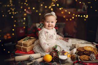 mkslowinskiphotography art midleton love canvas happyday cork family christmastime parents baby photoshot