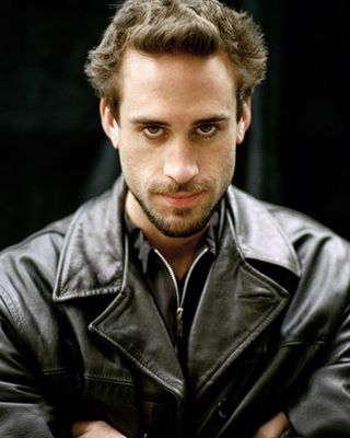 actor photoshoot shakespeareinlove josephfiennes tbt