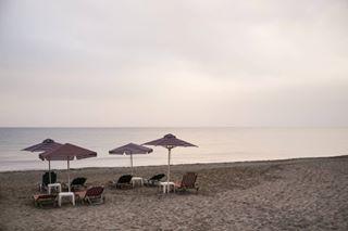 fujixe1 seaphoto grecia seaphotography beach crete sea lonely fujifilm 35mm horizon creta greece kavros chania sunset