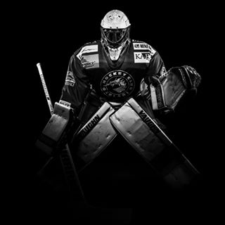 hockeyplayer tanasis hcocelaritrinec portrait hcocelari keeper sport tanasisphoto sigma ocelari nikon hockey goalkeeper vaughn fomei
