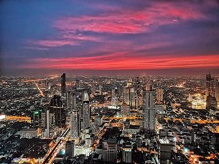 huaweip20pro building skyscraper sunset adventure nightlife architecture featureme view skyporn sky photooftheday beautiful holiday thailand followme bigcity travel bangkok picoftheday