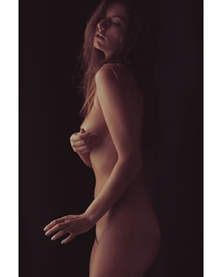sensual photographer sex photooftheday instagood hot love sensuality nudephotography art eroticart sexy body curves erotic photoshoot girl boudoir model portfolio beautiful photo photography artnude instaart nude