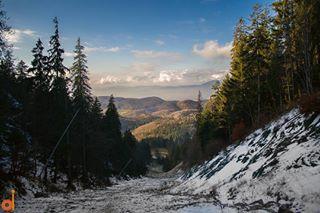 100deromania brasov fivestars_sunsets forest ig_romania mountain mountainlife mountains nature poianabrasov postavaru romania rowalk ski slope sunset throughthepines winter