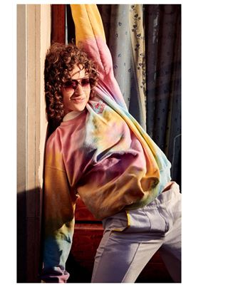 victoriasecret fashion instaartistic artitistic fashionportrait colorful sunshine portrait streetphoto spontaneus supermodel artisticphotograph femalemodel art fashionmodel spontaneousportrait