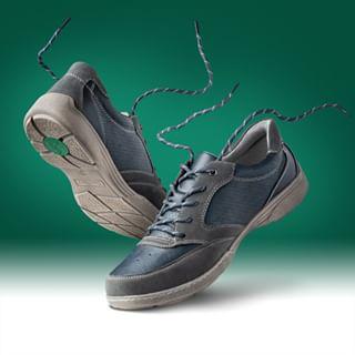 photoshop casualshoes fashion footgear product digiart fashionphotography shoes photomontage photomanipulation footwear photomerge studiophotography clothingstyling trainers productphotography packshot photoretouching retouching shoesphotography stylization