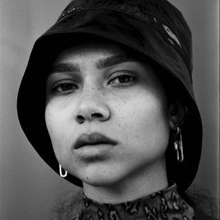 mood earring editorial nikon hat portrait bnwportrait bnw closeup bnwphotography shotonfilm girl beauty filmphotography blackandwhite filmisnotdead