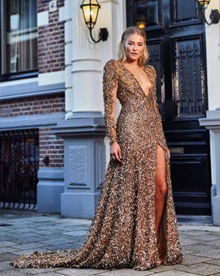 creative vintage amsterdam foto goldengirl gold dress jurk photographer fotografie sustainable michaelgraste styling fotograaf design creatief photography gown photo televizierring gala