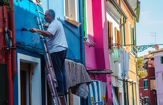 colours italy fresh paint explore calmatmo routine locallife travel smells sounds burano morning