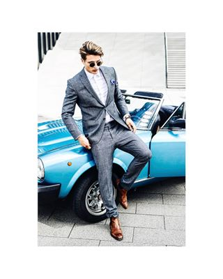 duesseldorf model medienhafen fashion car d800 nikon oldtimer photography suit fashionphotography blue malemodel