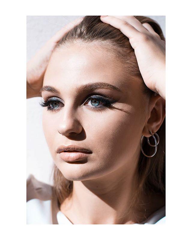 portraitphotography girl roma eyelashes portrait shooting mua makeup blueeyes photography