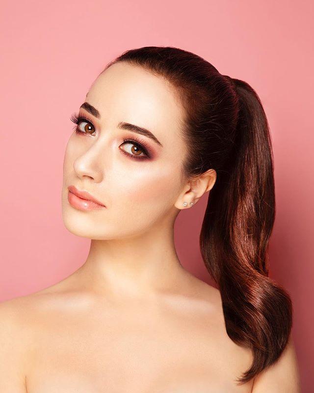 girl fashion portrait love hair flash makeup beautiful beauty pink smokeyeye makeupartist lights photography smokeyeyes