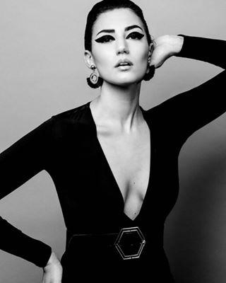 fashion fashionmodel eyeliner style magazine mua beautifulgirls beauty instadaily instagood canononly photographer fashionphotography canon fashionphotographer bw bwonly influencer styling model studiophotography
