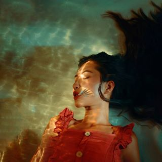 fashion mood getinspiredmagazine conceptual vogueit vogue gallery magazine fineartportrait art moody portrait underwater vogueuk water mag conceptart feature ginebrasiddal featureme asianmodel asian fineart