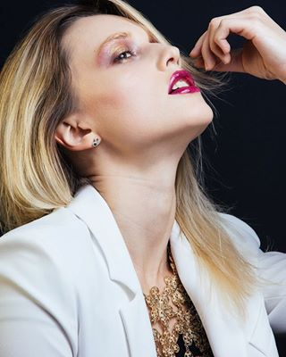 makeportraits postthepeople paris studiophotography modellife editorial modelscout nikon beautyphotography strobist artofportrait fashionphotography portraiture motd model fashionshoot