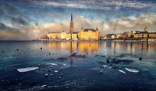 riddarholmskyrkan sverige sweden gamlastan ice riddarholmen pictureoftheday colors fineartphotography colours colors_of_day travelsweden travel