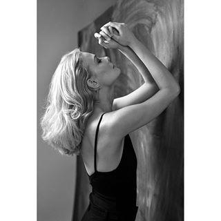 retro portrait blondehair sebastiansiebor with polishmodel light workshop model photo bw