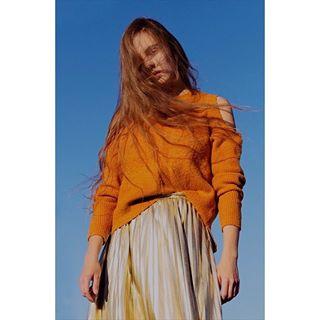 orange 3 sun woman photoshoot bluesky love polishgirl model photo messyhair gold fashion