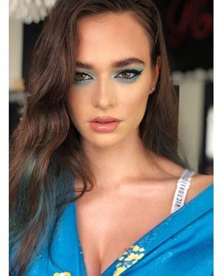 greeneyes benefit jefreestarcosmetics makeup photography toofaced victoriassecret fentybeauty blue mac