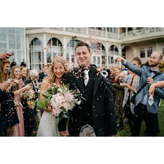 wedding braut hochzeitsfotograf heiraten intimatewedding mountainwedding bayern braut2019 hochzeit elopement destinationwedding bridetobe2019 wedding2019 braut2020 bride muenchen bohowedding instawedding bridetobe adventurewedding munich hochzeit2019 alpenhochzeit bride2019 engagement afterweddingshooting alpen hochzeitsfotografmünchen