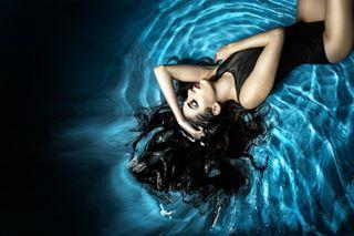 crazystiling water flashphotography beautyphotography bikini colorful creativeart watergirl inspiration modelling creativephotography darkbeauty creative studiophotography photostudio photoshoot