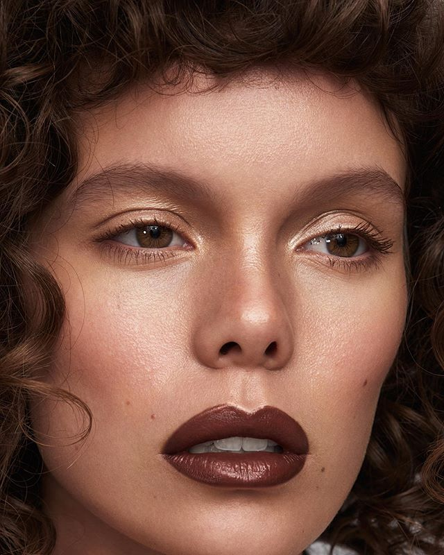 brownlips beautyportraits instamakeup skin darklips instabeauty highendretouching curlyhair beautyphotographer colour chocolatelips healthyskin portraiture beauty retouching photography