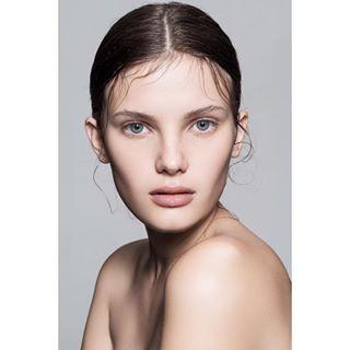 beauty beautyphotography fashionphotography modeling model naturalmakeup beautytrends healthyskin glowyskin skin broncolor photography makeup newface freshface