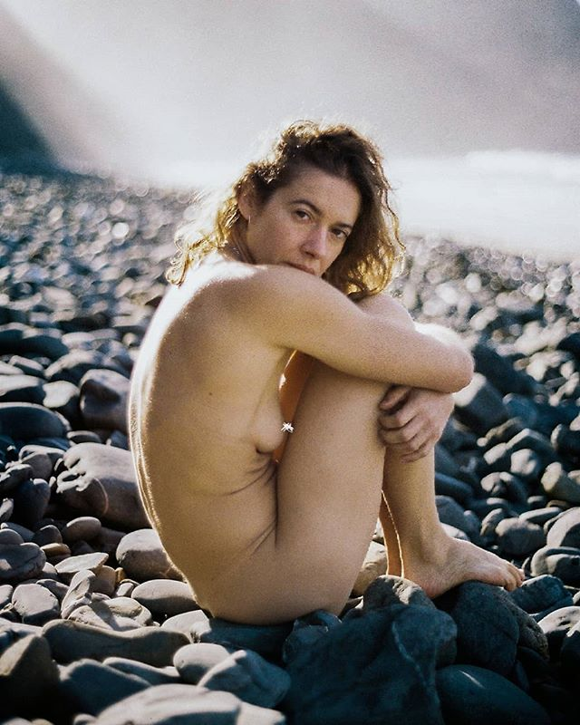 photography beauty stories 35mm raw women nature analogue naturephotography beach analoguephotography girls portraitphotography perfection naked naturephotographer soulmate