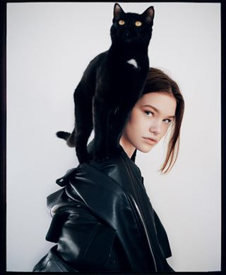 model catlover muha cat portrait overlayers volcom makeup hasselbladx1d naturallight fashion