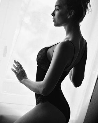 popular winter modele mannequin beauté model instalike blackandwhitephotography greetings thankyou pictureoftheday beautifulface smile shooting thebest beautifulwomen great goodday instafollow beautyfulwoman topmodel sexy love bestoftheday instagood shootingtime nimes theface merci picoftheday