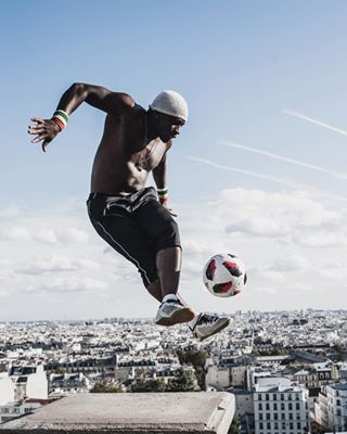 streetlife footballfreestyle iyatraore paris sacrecoeur streetphotography street