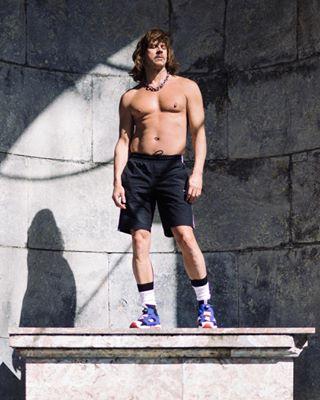 thomasweidenhaupt monument queer portrait sportswear aachen shirtlessguys fischerspooner porträt caseyinaachen greekgod caseyspooner statuesque