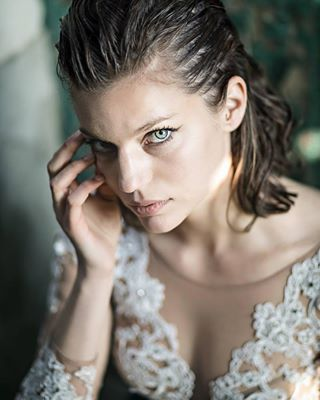 moodoftheday natural green picoftheday portraitphotography lesjoliesfemmesfrancaises portraitmood blueeyes picofthemoment theportraitpr0ject wethair portrait idealportrait naturallight photoshootlife frenchgirl modelcitizenmedia instagood parisienne globe_portraits kdpeoplegallery instamood endlessfaces brunette portrait4ever weddingdress