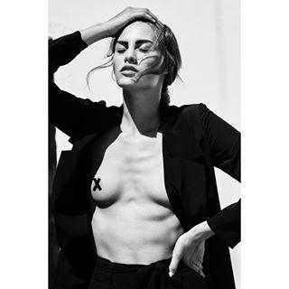female sunlight model bw fashionphotography